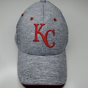 KANSAS CITY CHIEFS EMBROIDERED LOGO BASEBALL HAT